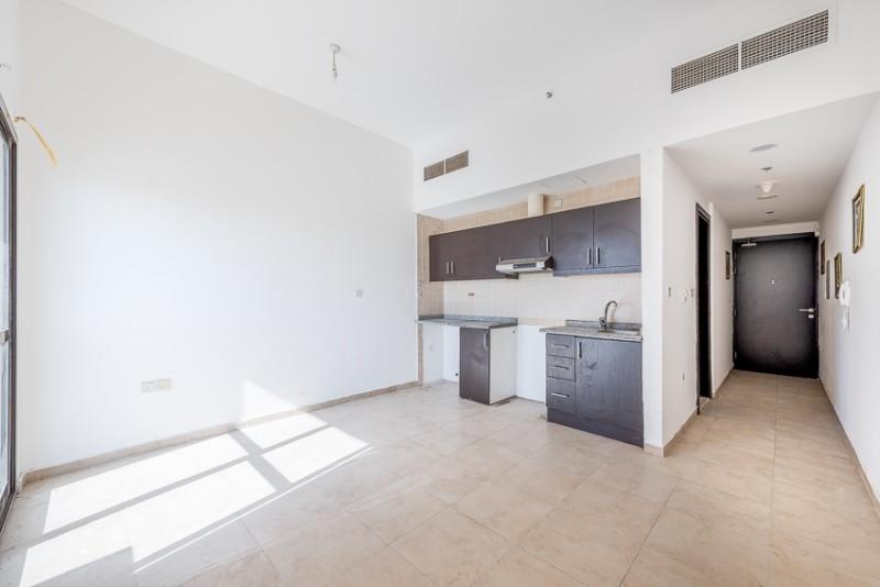 Studio Apartment For Sale in  Silicon Gate 1,  Dubai Silicon Oasis | 2