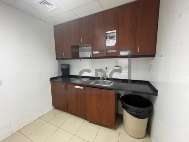 office for rent in al barsha, zarouni building   4