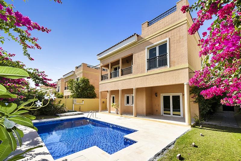 5 Bedroom Villa For Sale in  Hacienda,  The Villa   0