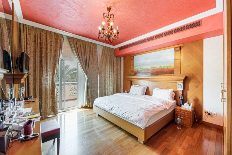5 Bedroom Villa For Sale in  Meadows 1,  Meadows   1
