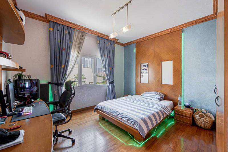 5 Bedroom Villa For Sale in  Meadows 1,  Meadows   9