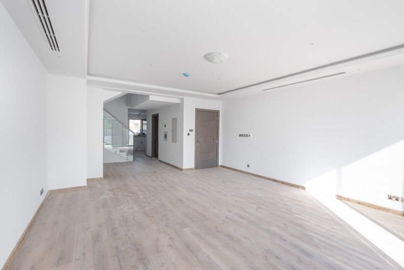 4 Bedroom Townhouse For Rent in  District 14,  Jumeirah Village Circle | 2