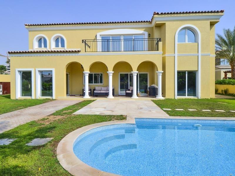 5 Bedroom Villa For Sale in  Family Villas,  Green Community | 1