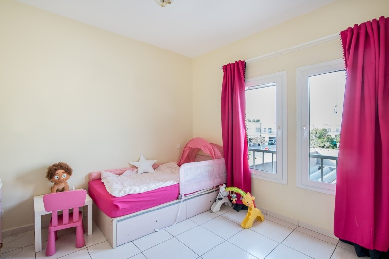 3 Bedroom Villa For Rent in  Springs 15,  The Springs | 2