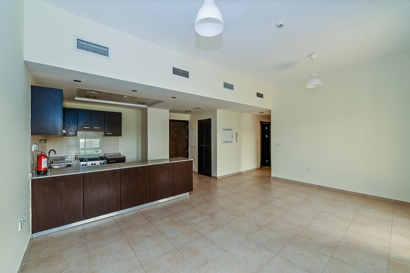 2 Bedroom Apartment For Sale in  Al Thamam 2,  Remraam | 5