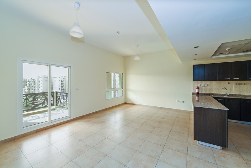 2 Bedroom Apartment For Sale in  Al Thamam 2,  Remraam | 3