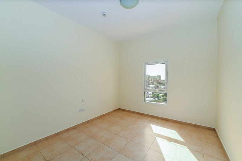 2 Bedroom Apartment For Sale in  Al Thamam 2,  Remraam | 8