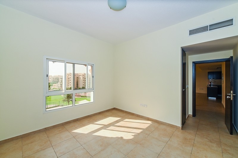 2 Bedroom Apartment For Sale in  Al Thamam 2,  Remraam | 7