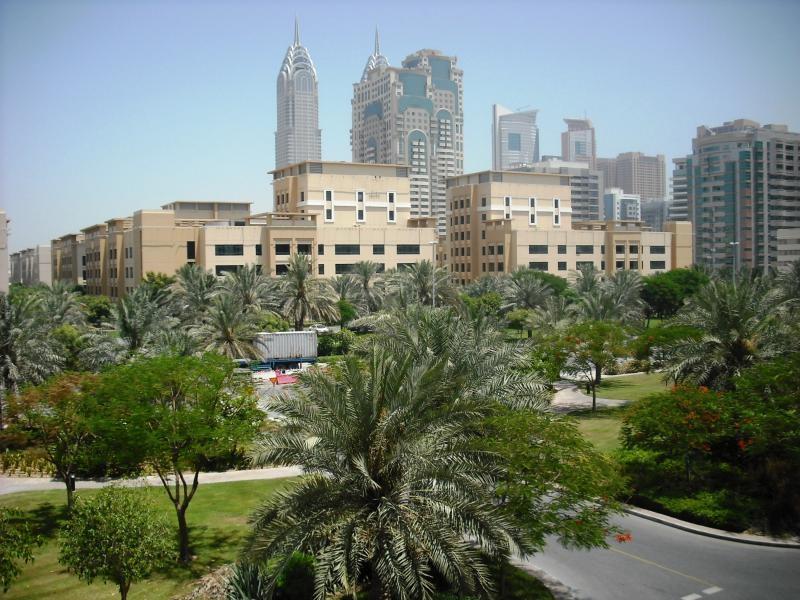 Al Dhafra 2, Greens