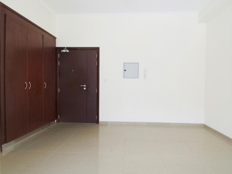 Studio Apartment For Sale in  Dec 1,  Dubai Marina | 3