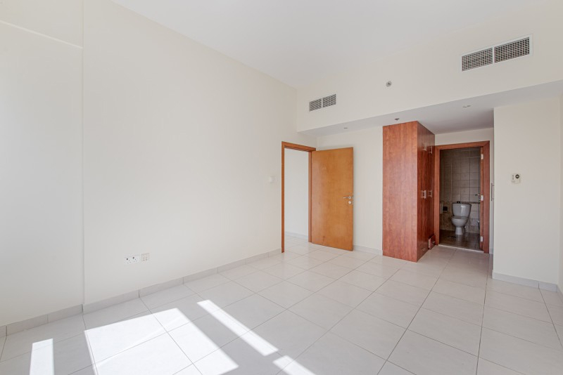 1 Bedroom Apartment For Sale in  Marina View Tower A,  Dubai Marina   4
