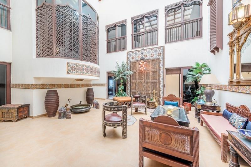 Al Garhoud Villas, Al Garhoud