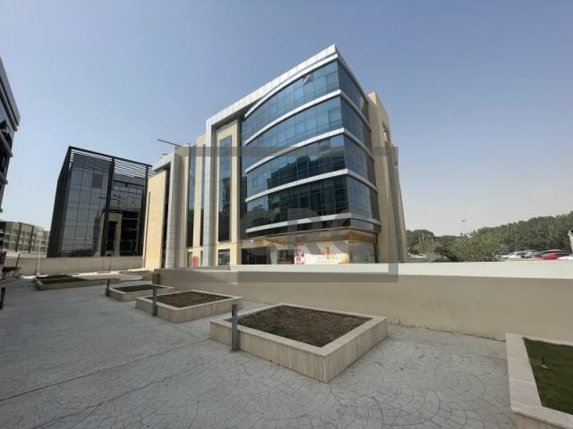 943 sq.ft. Office in Arjan, Diamond Business Center for AED 754,400