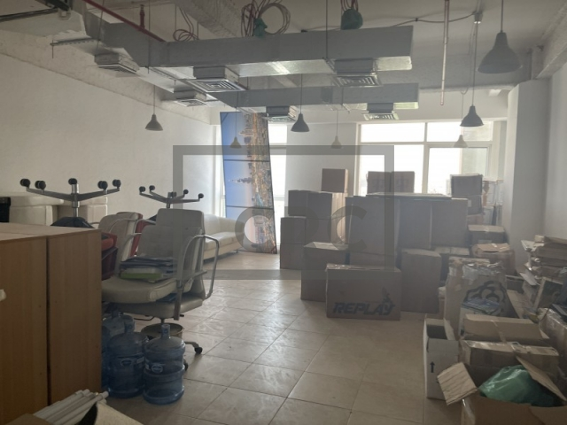 commercial properties for rent in diamond business center