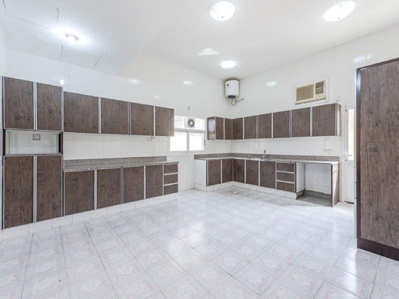 4 Bedroom Villa For Rent in  Umm Suqeim,  Umm Suqeim | 4