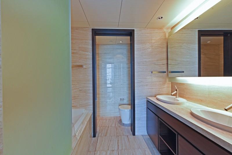 2 Bedroom Apartment For Sale in  Burj Khalifa,  Downtown Dubai   9
