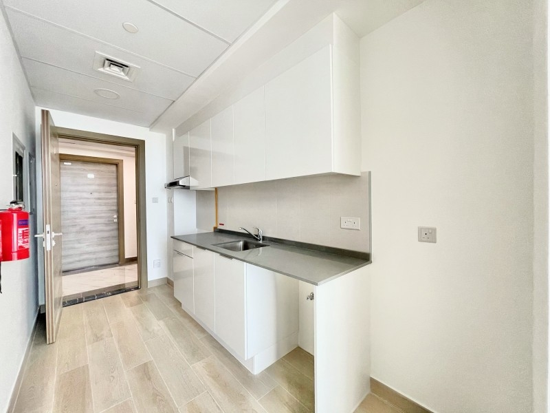 Studio Apartment For Rent in  Bloom Towers,  Jumeirah Village Circle   2