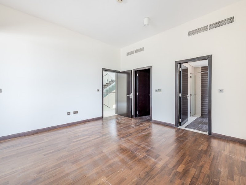 5 Bedroom Villa For Sale in  Veneto Villas,  Dubai Waterfront | 5
