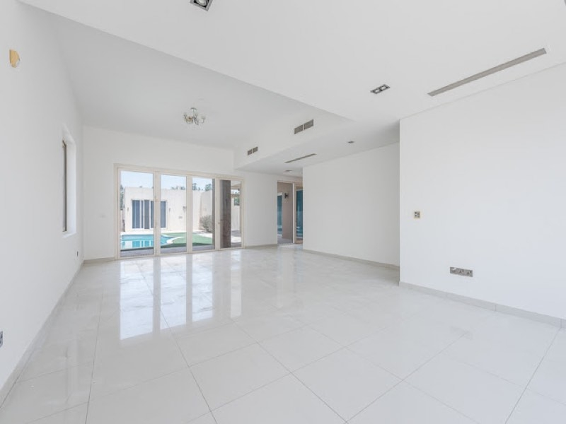 5 Bedroom Villa For Sale in  Veneto Villas,  Dubai Waterfront | 11