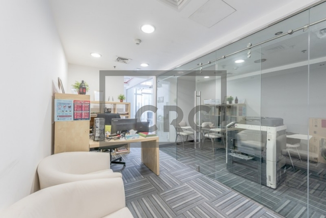 574 sq.ft. Office in Business Bay, The Metropolis for AED 600,000