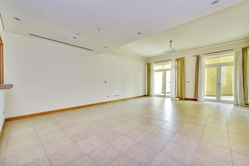 2 Bedroom Apartment For Sale in  Al Anbara,  Palm Jumeirah | 0