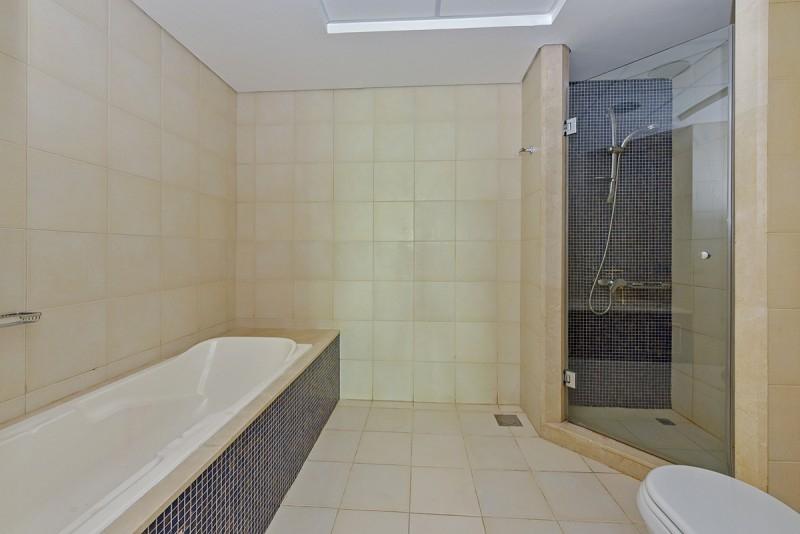 2 Bedroom Apartment For Sale in  Al Anbara,  Palm Jumeirah | 10