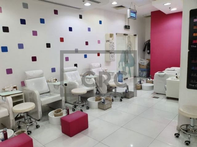 597 sq.ft. Retail in Barsha Heights (Tecom), Cayan Business Centre for AED 1,199,000