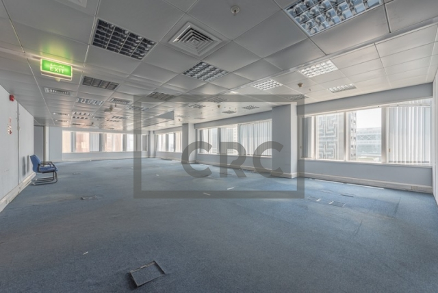 semi-furnished office for rent in sheikh zayed road, al moosa tower ii   5