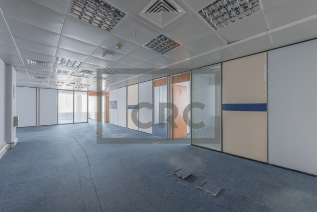 semi-furnished office for rent in sheikh zayed road, al moosa tower ii   7