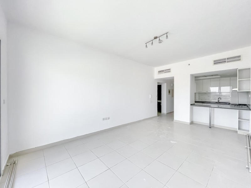 2 Bedroom Apartment For Rent in  Oxford Building,  Jumeirah Village Circle   1