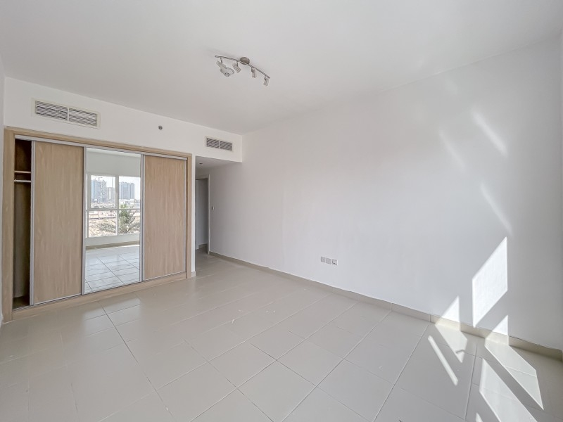 2 Bedroom Apartment For Rent in  Oxford Building,  Jumeirah Village Circle   7