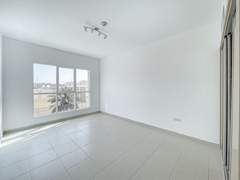 2 Bedroom Apartment For Rent in  Oxford Building,  Jumeirah Village Circle   6