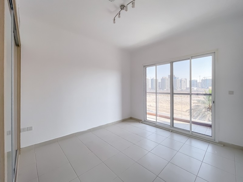 2 Bedroom Apartment For Rent in  Oxford Building,  Jumeirah Village Circle   8