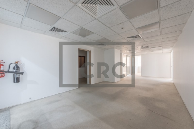semi-furnished office for rent in sheikh zayed road, al moosa tower i   6