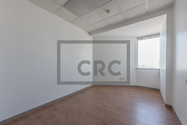 semi-furnished office for rent in sheikh zayed road, al moosa tower i   3