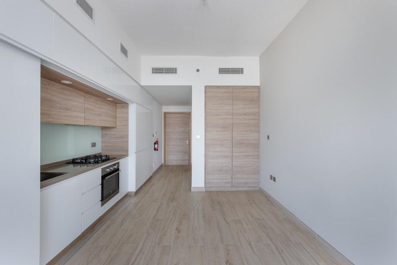 Studio Apartment For Sale in  Studio One,  Dubai Marina   3