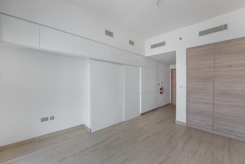 Studio Apartment For Sale in  Studio One,  Dubai Marina   5