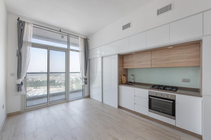 Studio Apartment For Sale in  Studio One,  Dubai Marina   6