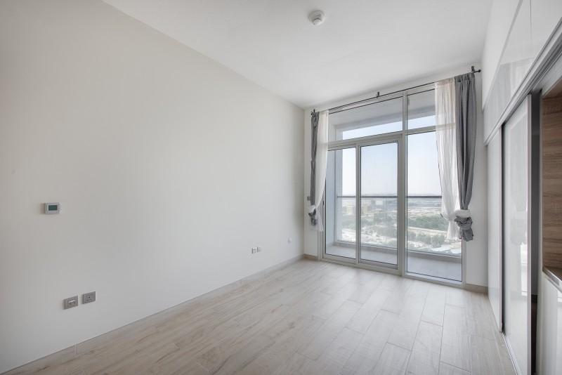 Studio Apartment For Sale in  Studio One,  Dubai Marina   1