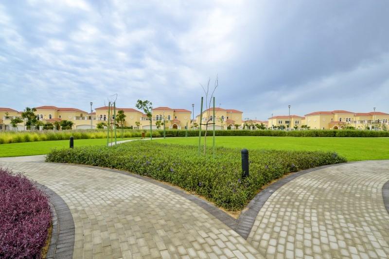 4 Bedroom Villa For Sale in  Nova Villas,  Jumeirah Park | 10