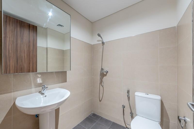 2 Bedroom Apartment For Rent in  Corniche Deira,  Deira   9