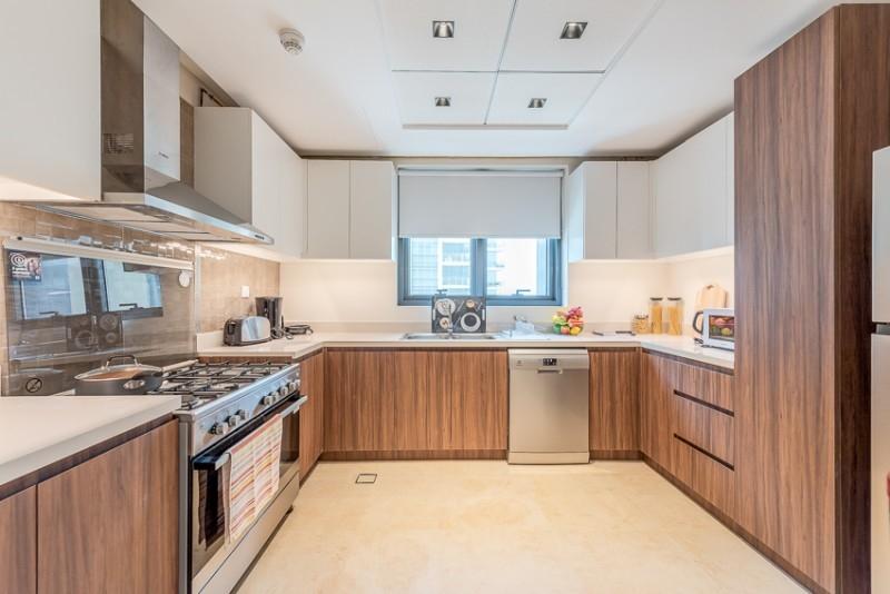 2 Bedroom Apartment For Rent in  Corniche Deira,  Deira   6