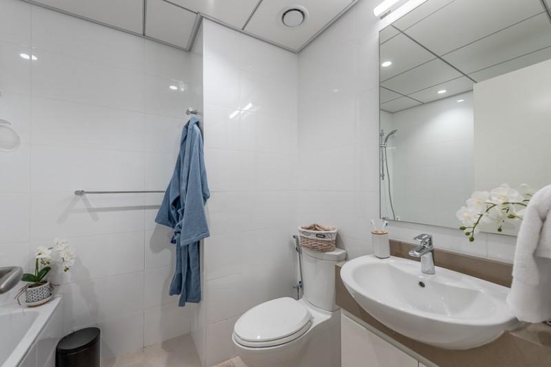 2 Bedroom Apartment For Rent in  Corniche Deira,  Deira   8