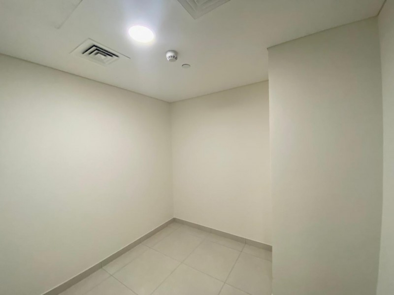 3 Bedroom Apartment For Rent in  A Tower,  Downtown Dubai   8