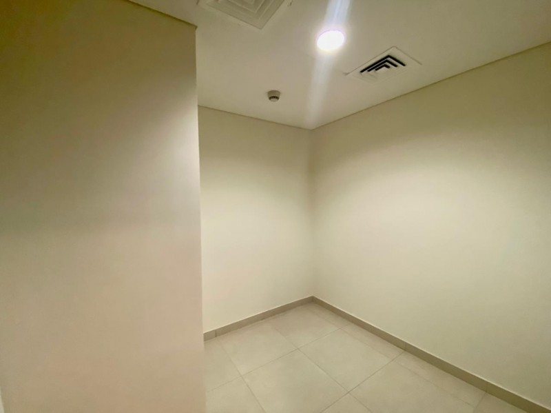 2 Bedroom Apartment For Rent in  A Tower,  Downtown Dubai   7