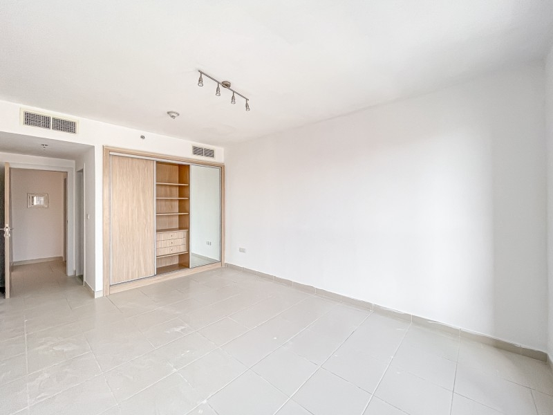 1 Bedroom Apartment For Rent in  Oxford Building,  Jumeirah Village Circle   3