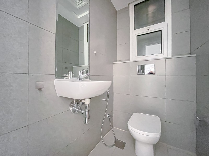 1 Bedroom Apartment For Rent in  Oxford Building,  Jumeirah Village Circle   5