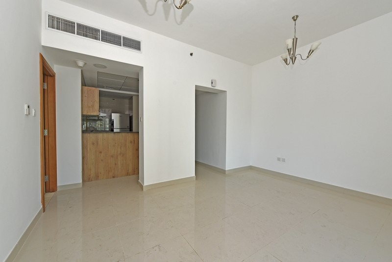 1 Bedroom Apartment For Rent in  Continental Tower,  Dubai Marina   1