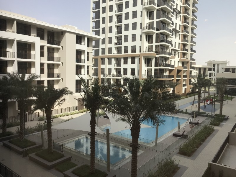 Warda Apartments (OP), Town Square