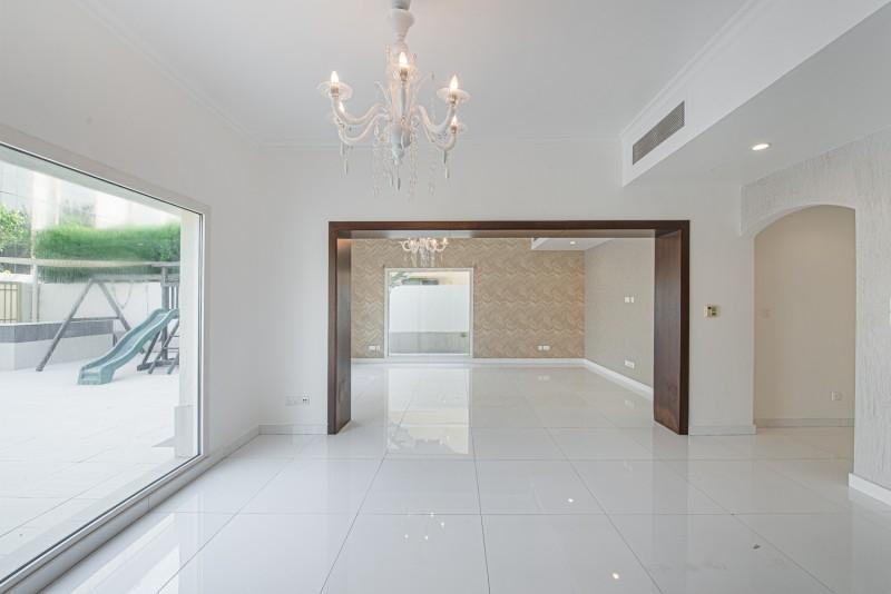4 Bedroom Villa For Rent in  Meadows 4,  Meadows   8